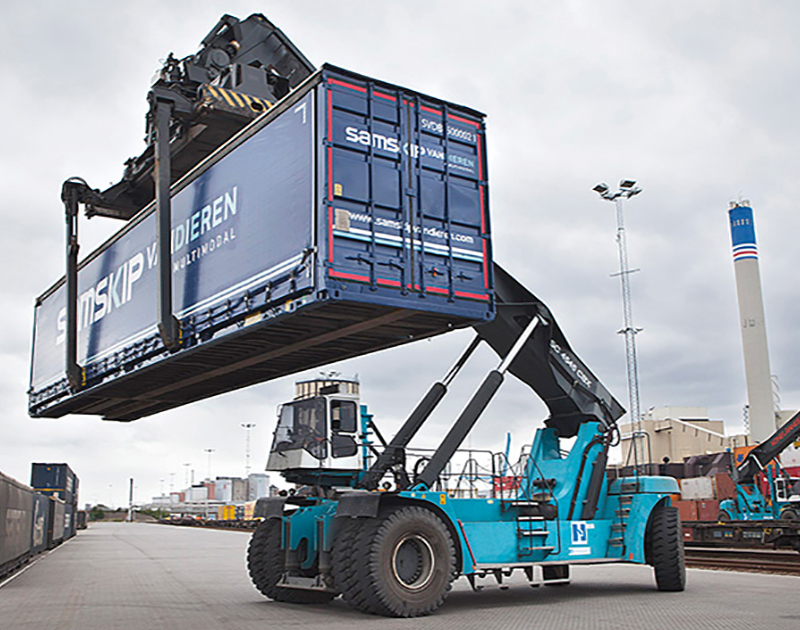 Cat Lift Trucks Hull Docks